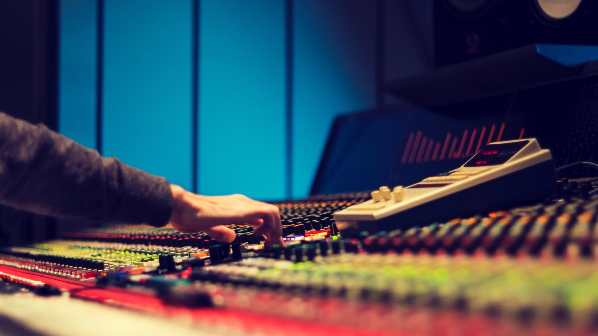 Quiet on the Set! How to Land a Production Sound Mixer Job